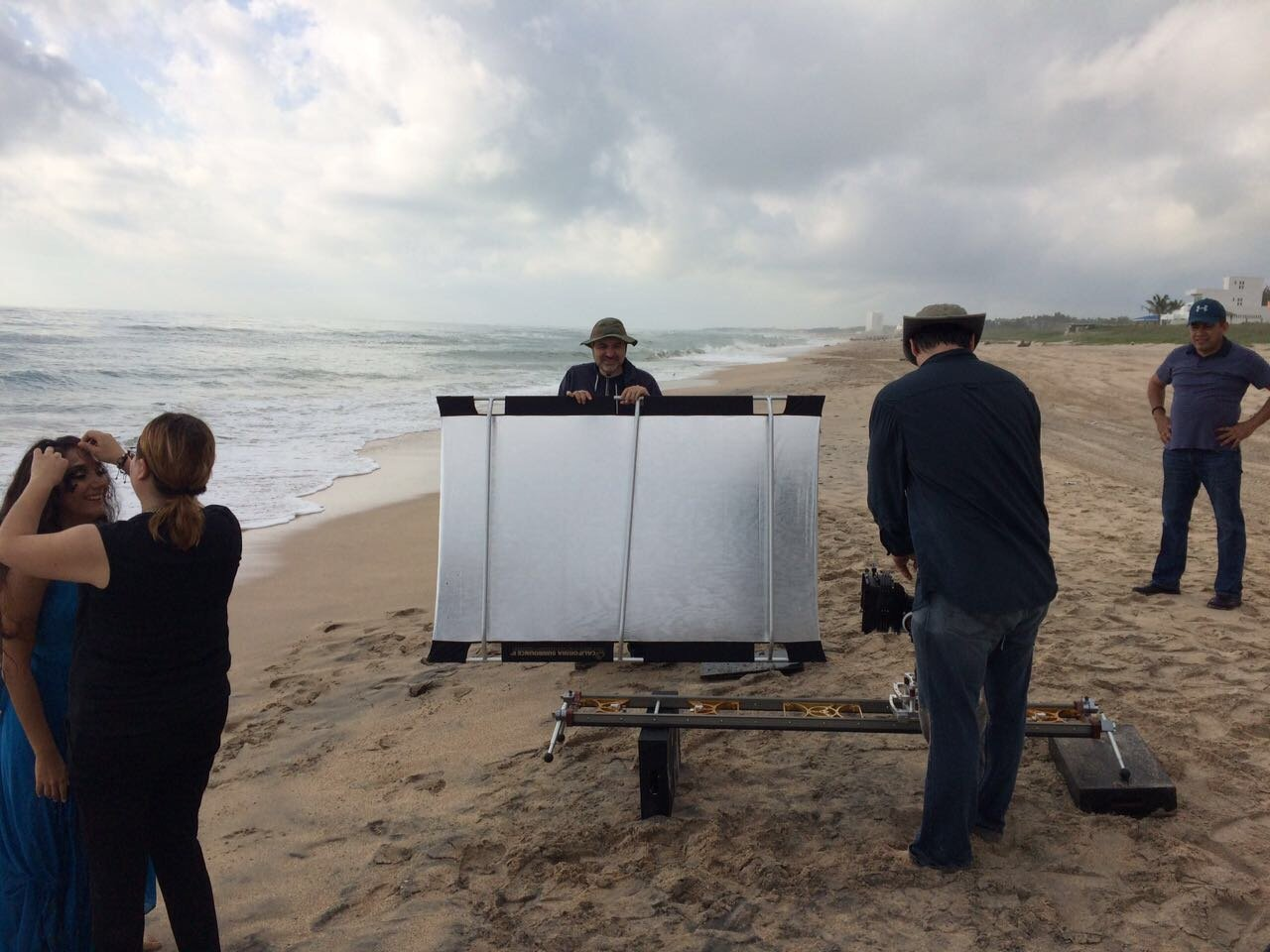 moises lugo medium slider on beach myt works in action